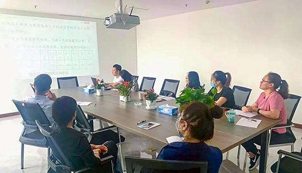 打造学习型团队 提高职工业务技能——烟台理赔club w88组织职工内部培训